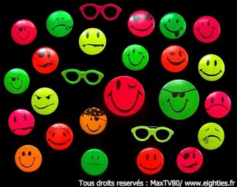 années, annees, 80, 80's, eighties, fluo, mode, fluorescent, fluos, été, 1989, badges, smiley, smileys, acid, music, jaune, orange, rose, vert, maillot, de, bain, anorak, bijoux, phosphorescent, fashion