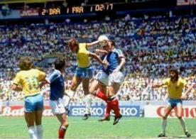ANNEES 80, 80's, eighties, foot, coupe du monde, Mondial, Football, Jean-Pierre PAPIN, PLatini, Giresse, tigana, souvenirs, sport, 1986, mexique, Mexico, maradonna, MARADONA