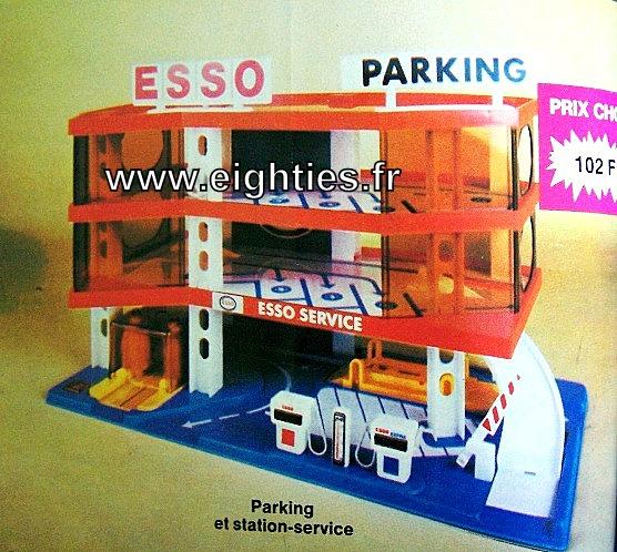 ANNEES 80,80's, eighties, catalogue, jeux, jouets, Noël, enfants, souvenirs, nostalgie, 1980, La samaritaine, cergy, garage voitures