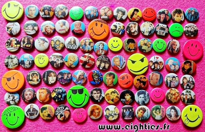 Collection de badges des annees 80 eighties