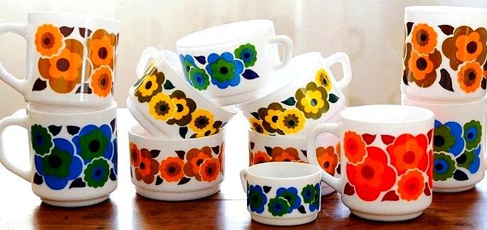 la vaisselle lotus d 39 arcopal les jolies p 39 tites fleurs de notre enfance eighties. Black Bedroom Furniture Sets. Home Design Ideas
