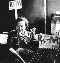 Coluche studio RFM années 80