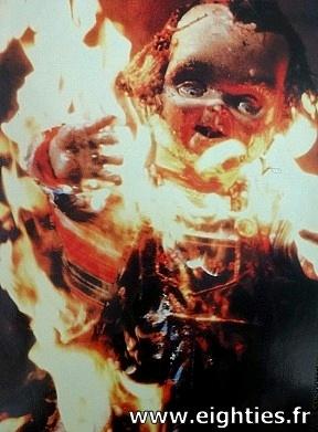 Poupée Chucky mort enflamée